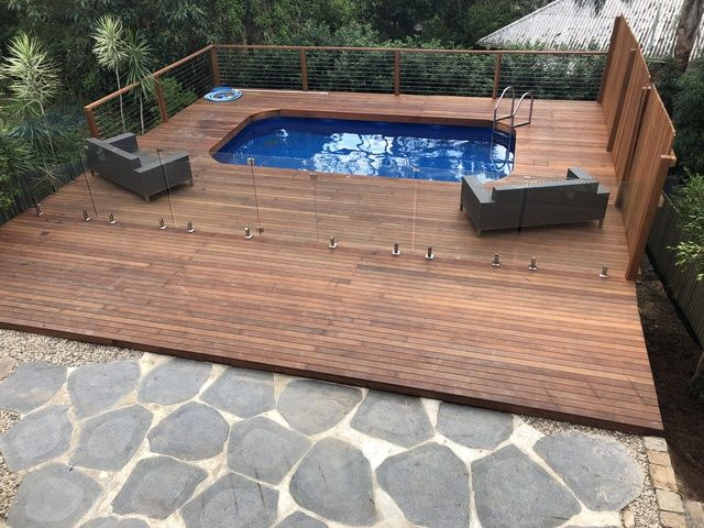Bardon Pool and Deck